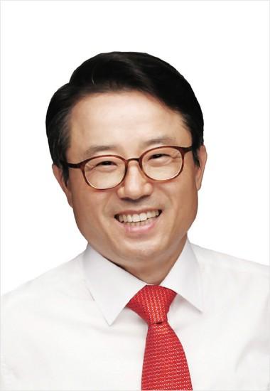 권혁세 새누리당 후보, 불법 댓글알바 혐의...선관위에 고발당해
